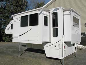 East end campers truck camper and slide in camper specialists - Chalet kamer ...