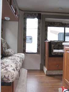 Sutton Acura on Northstar Adventurer And Northern Lite Slide In Truck Camper   Autos
