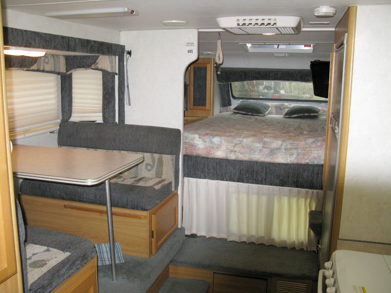 used lance 1161rear east end campers slide in truck campers used 2004 lance 1161 lance truck camper wiring diagram at edmiracle.co